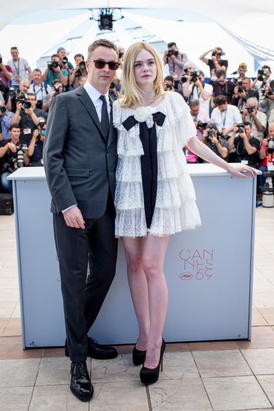 "Nicolas Winding Refn et Elle Fanning - Photocall du film ""The Neon Demon"" lors du 69ème Festival International du Film de Cannes. Le 20 mai 2016 © Borde-Moreau / Bestimage"
